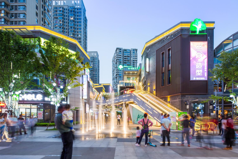 联投金色港湾商业街